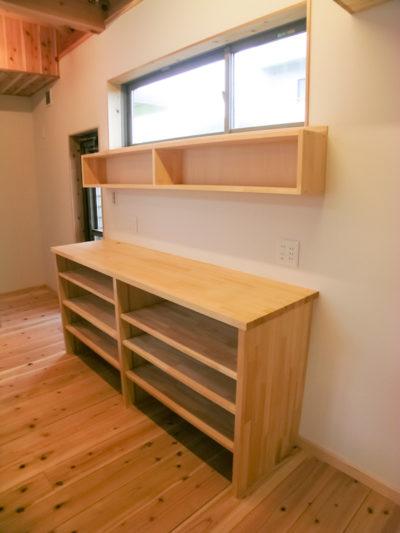造り付けの食器棚