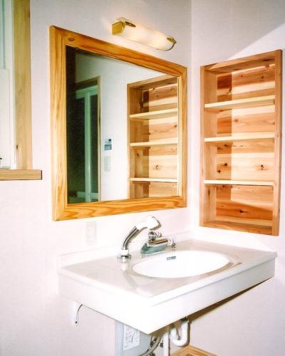 造り付けの洗面化粧台