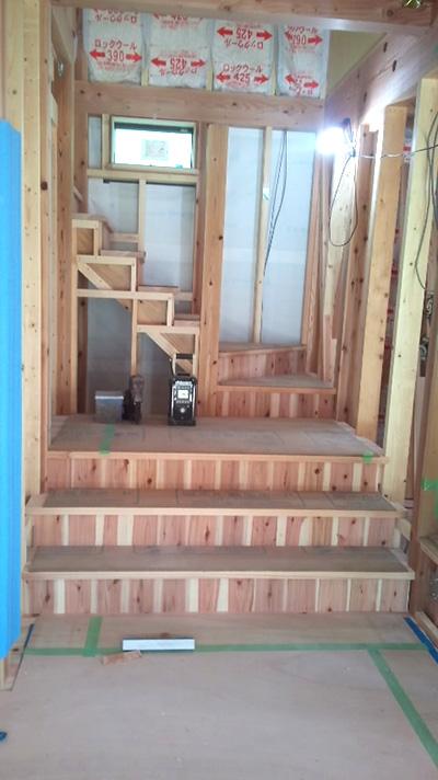 リビングステージ階段の工事