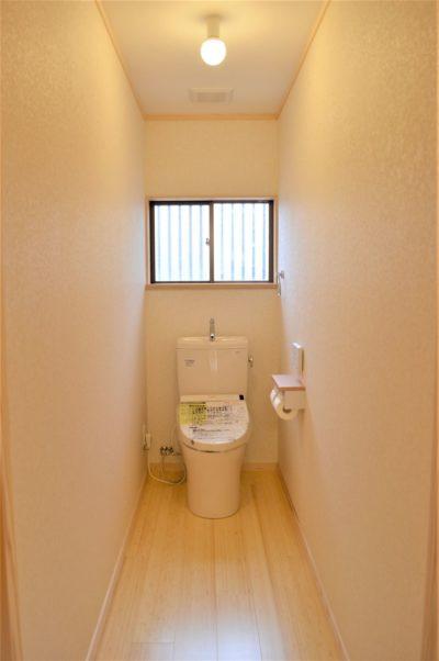 トイレの床は竹フローリング