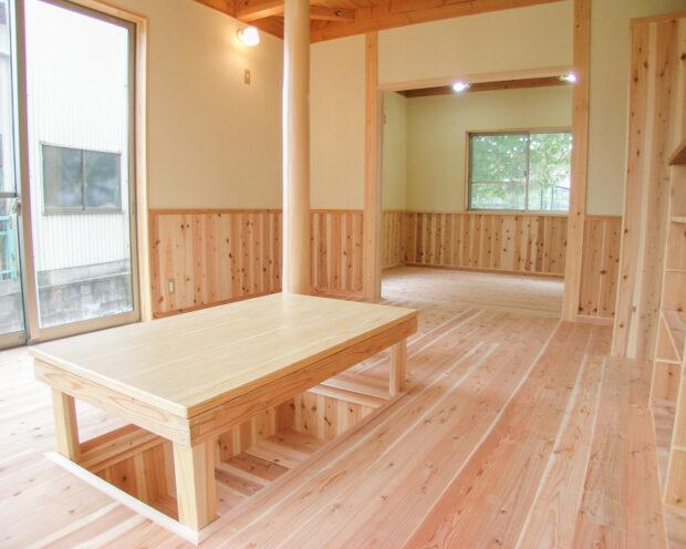 K様邸無垢の杉板を使ったLD