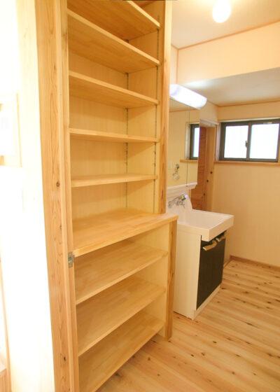 洗面脱衣室の造り付け収納