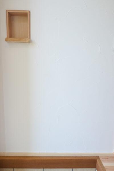 玄関に飾り棚