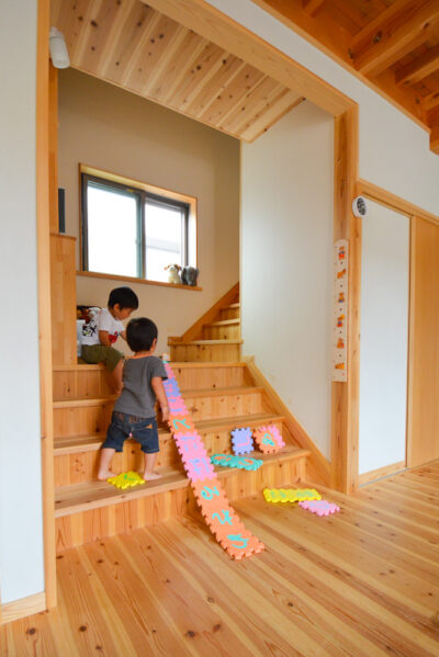 リビングステージ階段はリビングの一部